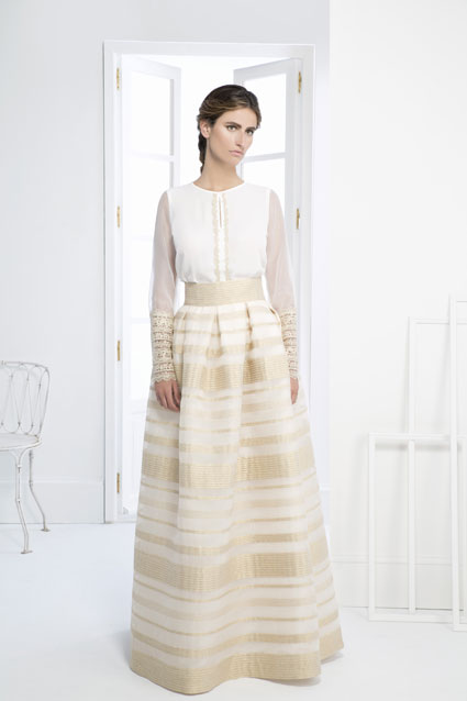 Vestido novia dos piezas de seda bordada