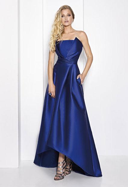 Vestido largo azul de mikado y palabra de honor