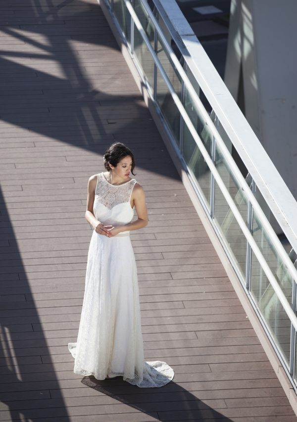 Vestido guipur largo pico