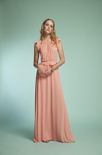 vestido largo con escote en espalda